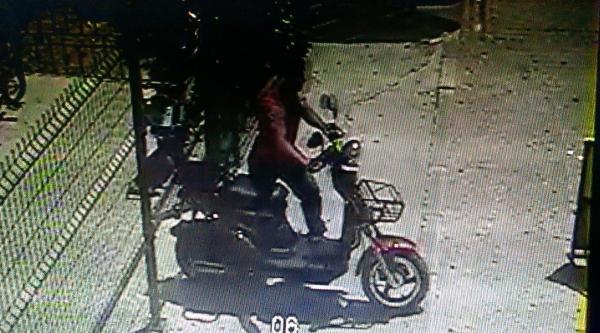 Motosikleti 21 Saniyede Çaldilar
