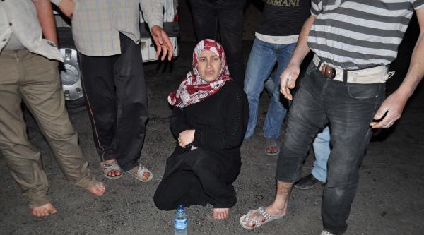 Motosikletin Çarptiği Suriyeli İle Hamile Eşi Yaralandı
