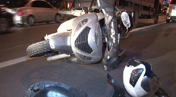Motosikletiyle Bariyere Çarpti: 1 Ölü