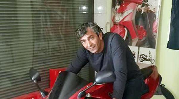 Motosikletiyle Bariyerlere Çarpinca Öldü