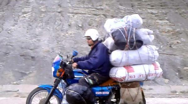 Motosikletteki 10 Çuval Şaşkinliğa Neden Oldu