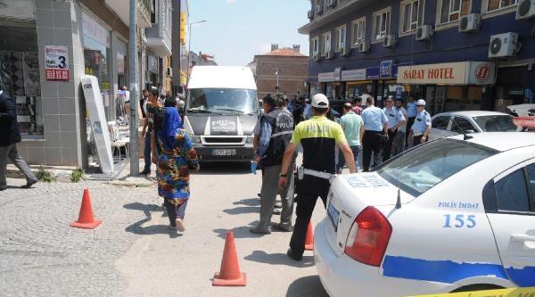 Müdahale Ettiği Silahlı Çatişmada Kalbinden Vurulan Polis Şehit Oldu-yeniden