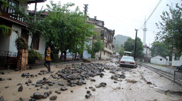 Mudurnu'da Yağmur Etkili Oldu