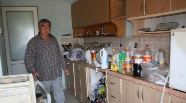 Muğla'da Evden 2 Kamyon Çöp Çikti, Oturan Akıl Hastanesine Yatırıldı
