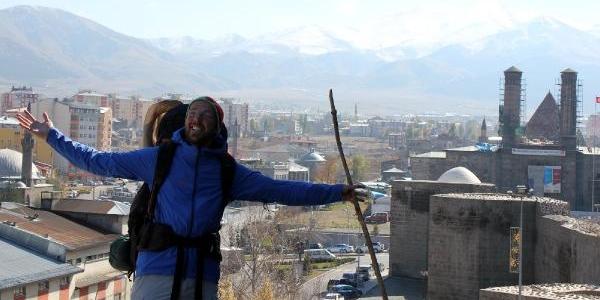 Münih'ten 19 Ayda Erzurum'a Yaya Geldi
