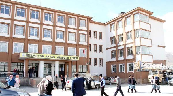 Muradiye'de 8 Okulun Elektriği Kesildi