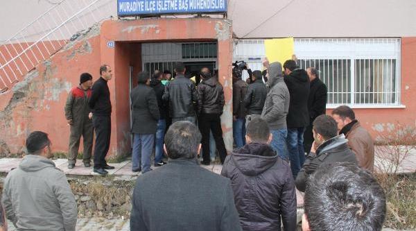 Muradiye'de Elektrik Kesintisi Protestosu