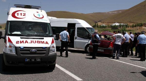 Muradiye'de Kaza; 2 Ölü, 1 Yaralı