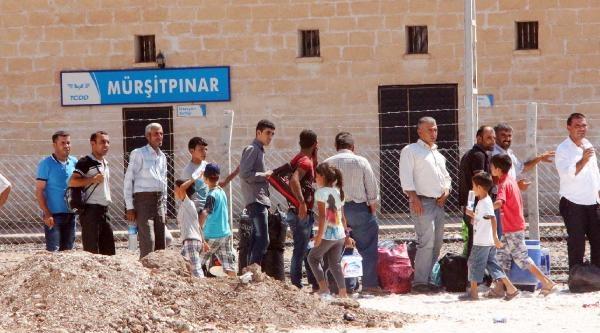 Mürşitpınar Sınır Kapısı'nda Suriyeli Yoğunluğu