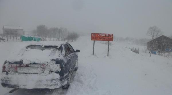 Muş Valisi, Kar Altinda Yol Açma Çalişmalarini Denetledi