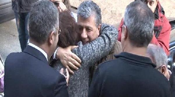 Mustafa Balbay, Cumhuriyet Gazetesi'nde Alkişlarla Karşilandi