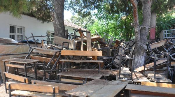 Müteahhit Bıraktı Okul İnşaati Viraneye Döndü
