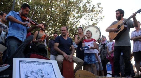 Müzisyenlerden Öğretmen Atamaları İçin Eylem