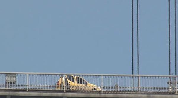 Namık Ekin Taksi İle Geldiği Köprüden Paraşütle Boğaza Atladı
