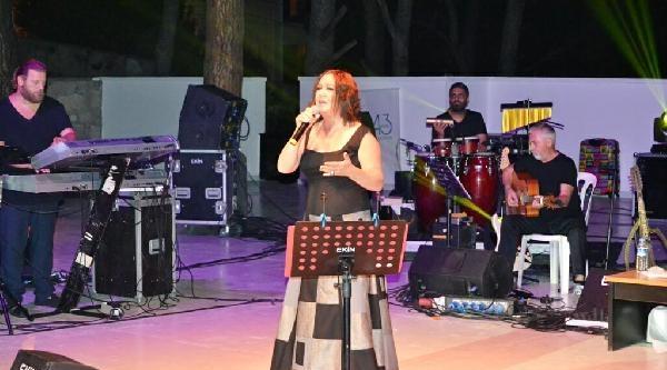 Nazan Öncel Konser Turuna Ayvalık'tan Başladı