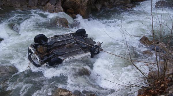 Nehire Uçan Otomobilde Kaybolan Cuma Katırcı'nın Cesedi Bulundu