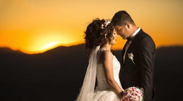 Nemrut Dağı Gelin Ve Damadın Fotoğraf Mekanı Oldu
