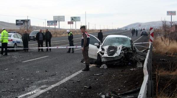 Nevşehir'De 2 Otomobil Çarpişti: 1 Ölü, 3 Yarali (2)- Yeniden