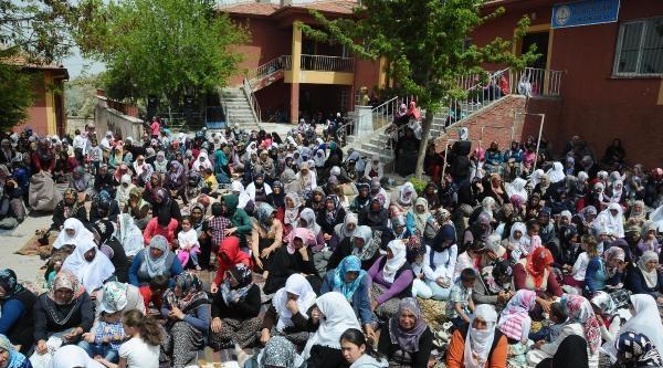 Nevşehir'de 3 Bin 500 Kişilik Yağmur Duası