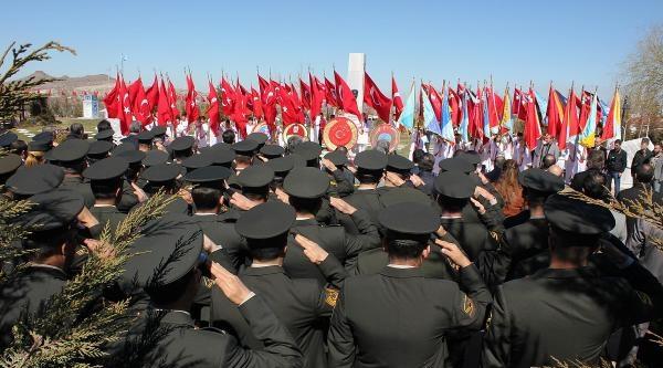 Nevşehir'de Çanakkale Zaferi'nin 99.yıldönümü Ve Şehitler Günü Törenlerle Kutlandı