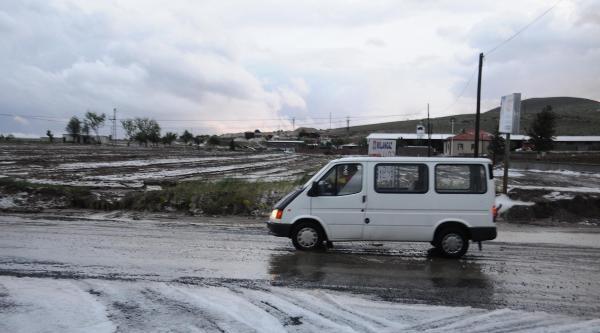 Nevşehir'de Dolu Yağdı, 200 Dekar Fasulye Zarar Gördü