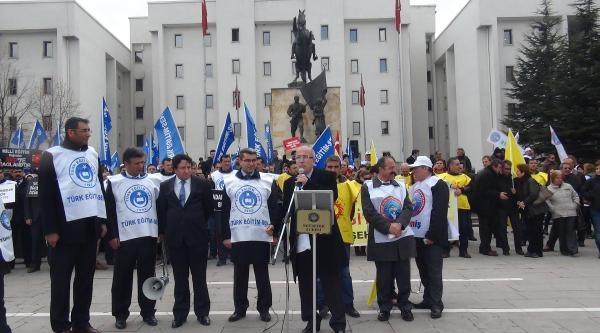 Nevşehir'de Eğitimciler İş Bıraktı