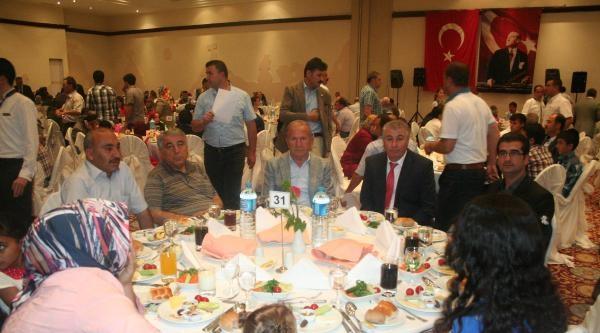 Nevşehir'de Şehit Aileleri Ve Gazilere İftar Yemeği Verildi