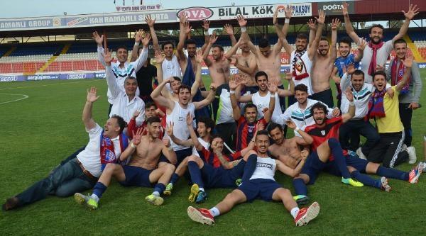 Niğde Belediye, Ceyhanspor'u Yendi 3'üncü Lig'e Çikti