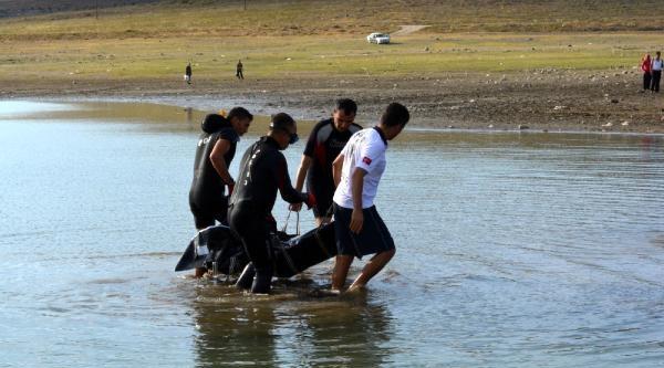 Niğde'de Gölete Giren Kardeşlerden Biri Boğuldu