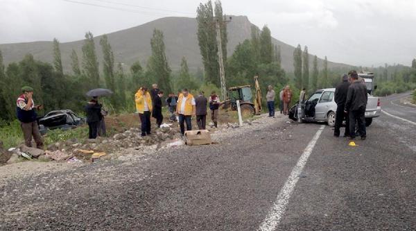 Niğde'de Trafik Kazası; 3 Ölü, 3 Yaralı