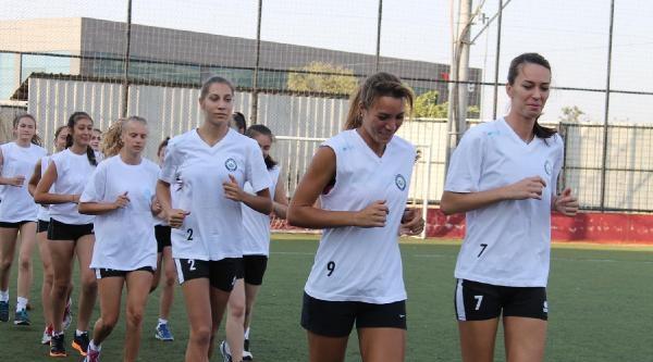 Nilüfer Belediyespor'a Voleybolda İlk Antrenman