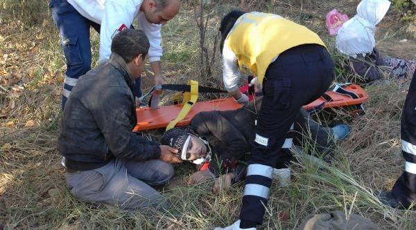 Nişan Dönüşü Kaza: 4 Suriyeli Öldü, 17 Yarali / Fotoğraflar