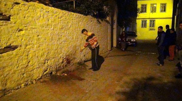 Nişanlısı Genç Kızı Öldüresiye Dövdü