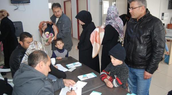 Nizip'te 3 Bin 700 Suriyeli Çocuk Aşilaniyor