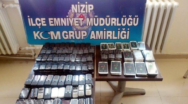 Nizip'te Kaçak Telefon Operasyonu