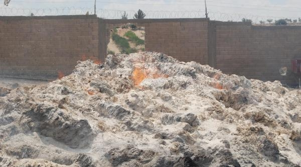 Nizip'te Kağıt Fabrikasındaki Yangın Söndürüldü