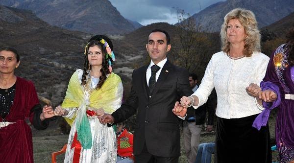 Norveçli Geline, Kato Daği'nda 2 Gün 2 Gece Düğün