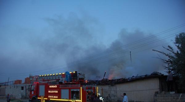 Nurdağı'nda Evdeki Yangın Paniğe Neden Oldu