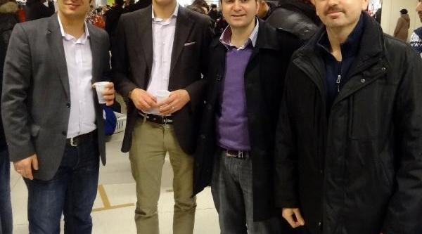 Nürnberg'in Ünlü Alişveriş Merkezine Türkler Sahip Çikti