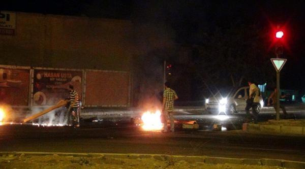 Nusaybin'de İpek Yolu'nu Kapatan Göstercilere Polis Müdahalesi