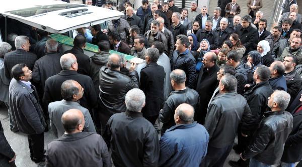 Öcalan'in Dayisinin Cenazesi Gaziantep'e Götürüldü