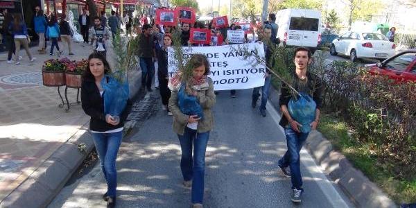 Odtü Olaylarini Fidan Dikerek Protesto Ettiler