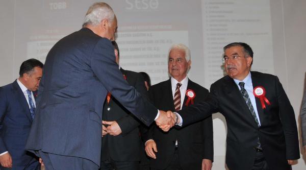 Ödül Töreninde Bakan-milletvekili Polemiği
