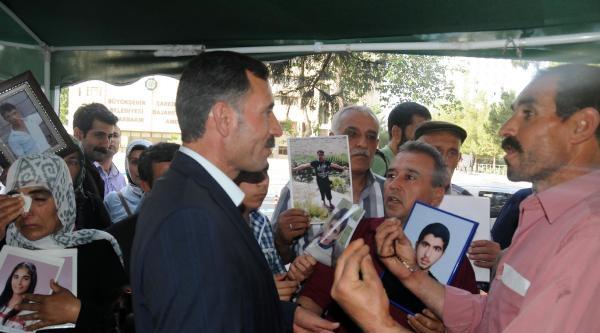 Oğlu Suriye'de Öldürülen Bdp'li Başkan Eylemci Aileleri Ziyaret Etti