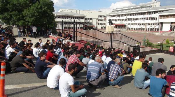 Öğrenci Konseyi Başkanını Tehdit Eden Polis Tayin Edildi