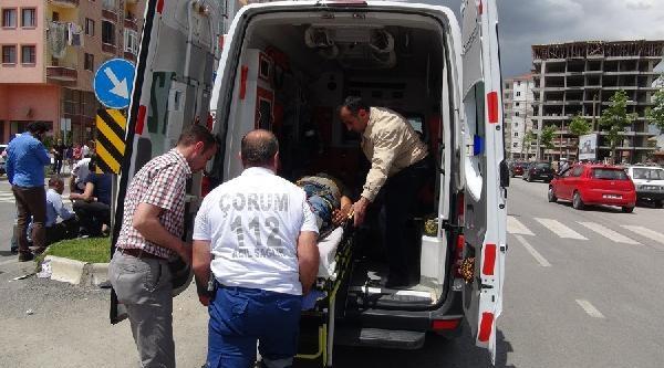 Öğrenci Servisi İle Otomobil Çarpişti: 9 Yaralı