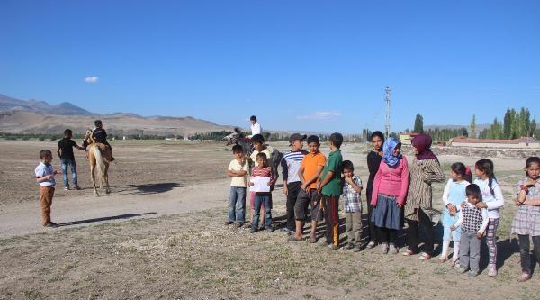 Öğrenciler Yaz Tatilinde Atlı Cirit Öğreniyor