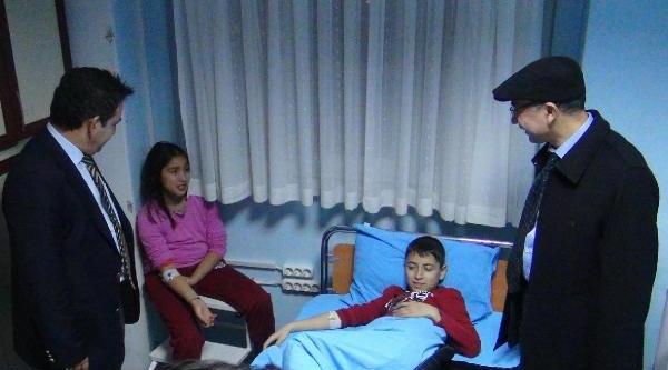 Öğrenciler Yeni Yila Hastanede Girdi