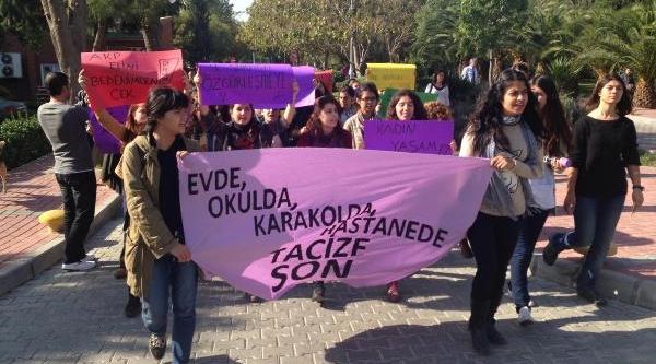 Öğrencilerden Gebelik Testi Protestosu