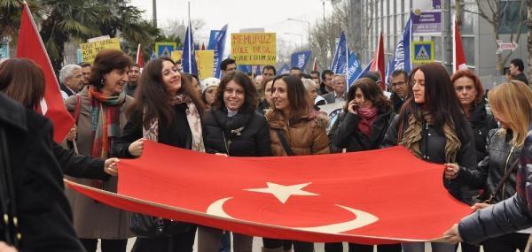 Öğretmenler Bursa'da İş Bıraktı